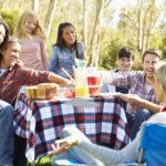 Famille recomposées: comment réussir ses premières vacances ensemble?